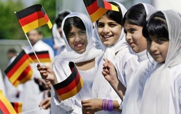 Картинки по запросу мигранты в германии