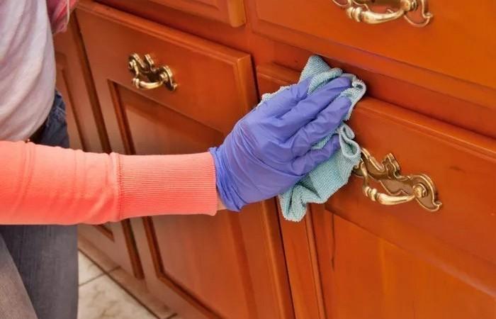 Бюджетное средство из аптечки, которое не даст пыли оседать на мебели глицерин,домашний очаг,,полезные советы,рукоделие,своими руками