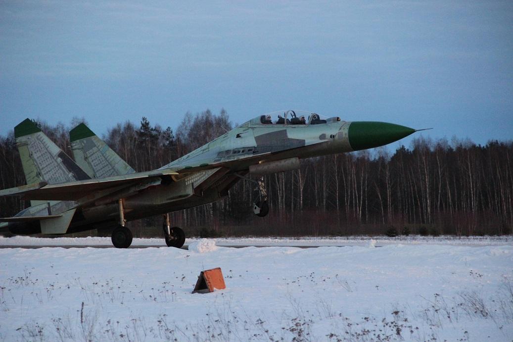 Ангола получила два первых истребителя Су-30К