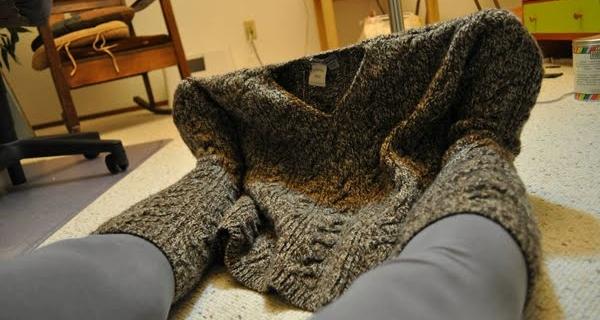 Старый свитер + 10 минут = носки