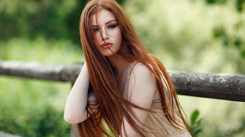 Красивые девушки с длинными рыжими волосами