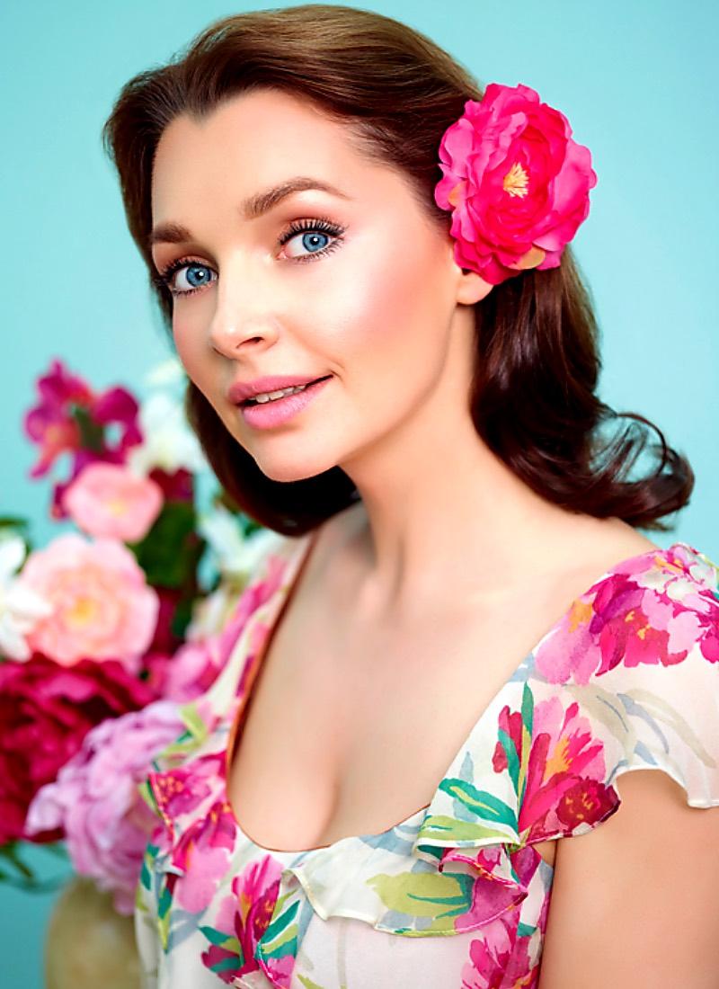 ещё очень российские актрисы кино фото с именами гамма крупных, эффектных