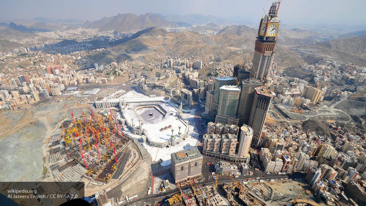 Глава МИД Египта провел переговоры по Катару с представителем Саудовской Аравии