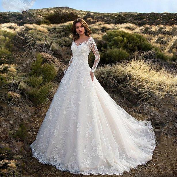 Невеста заказала свадебное платье по фотографии, а потом показала как оно смотрится в реальности Культура