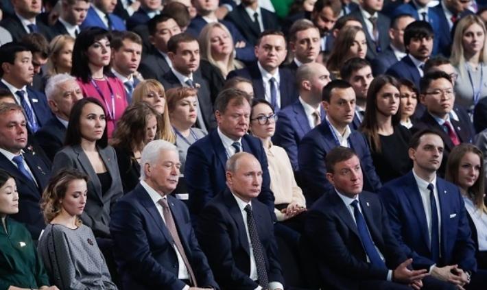 Путин призвал членов ЕР не допускать хамства и заносчивости к людям