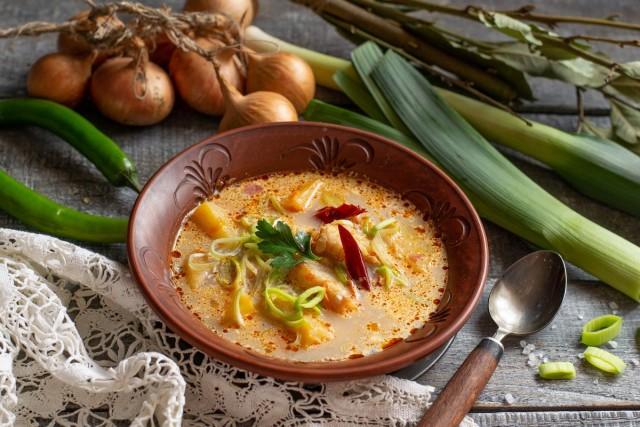 Лёгкий рыбный суп из минтая