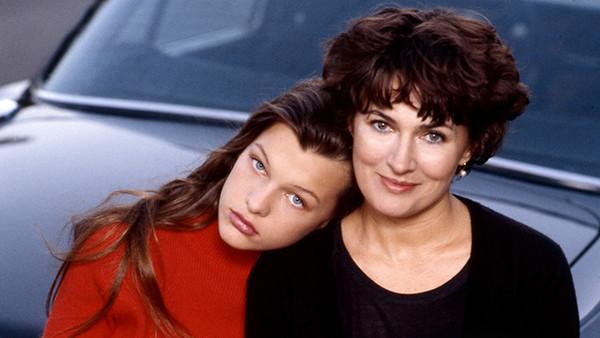 Милла Йовович актрисы, девушки, кино, кинозвезды, мамы