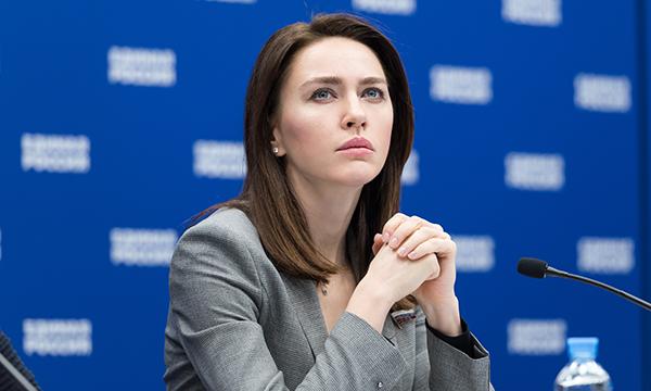 Аршинова: Форум «Россия - страна возможностей» поможет молодым ребятам двигаться вперед