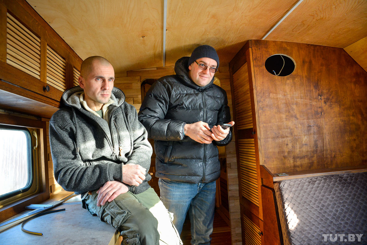 Житель Горок собирает советские военные грузовики авто и мото,прошлый век