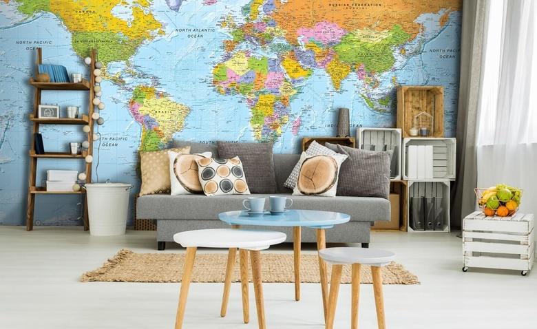 Целый мир в одной комнате: используем карты