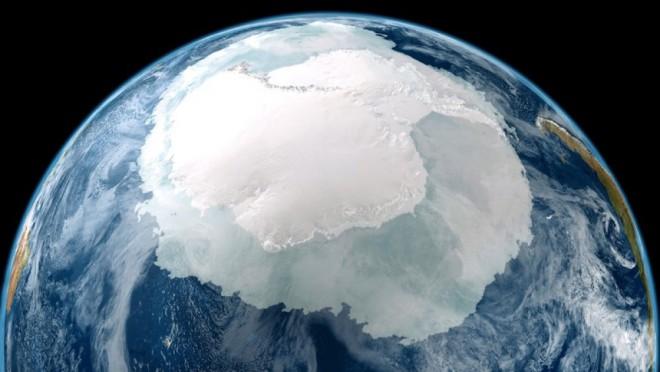 Гигантская загадочная дыра в Антарктиде напугала ученых до смерти