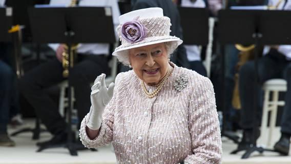 Королева Елизавета лоббировала изменения в законе, чтобы скрыть свое личное богатство