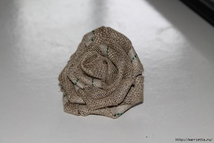 Розы из льна и мешковины: мастер-класс домашний очаг...