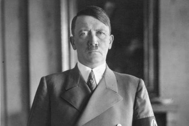 На Украине уволили учительницу, которая поздравила Гитлера с днем рождения