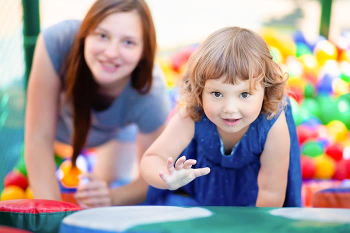 5 вещей, о которых мамы врут друг другу на детских площадках дети,материнство