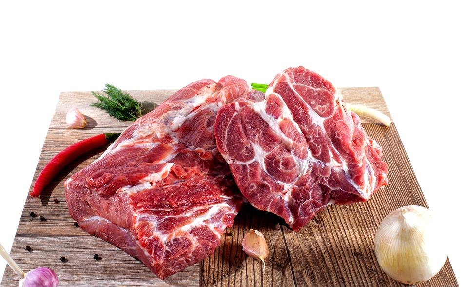 Сезон шашлыков открыт: как правильно замариновать и пожарить мясо на углях