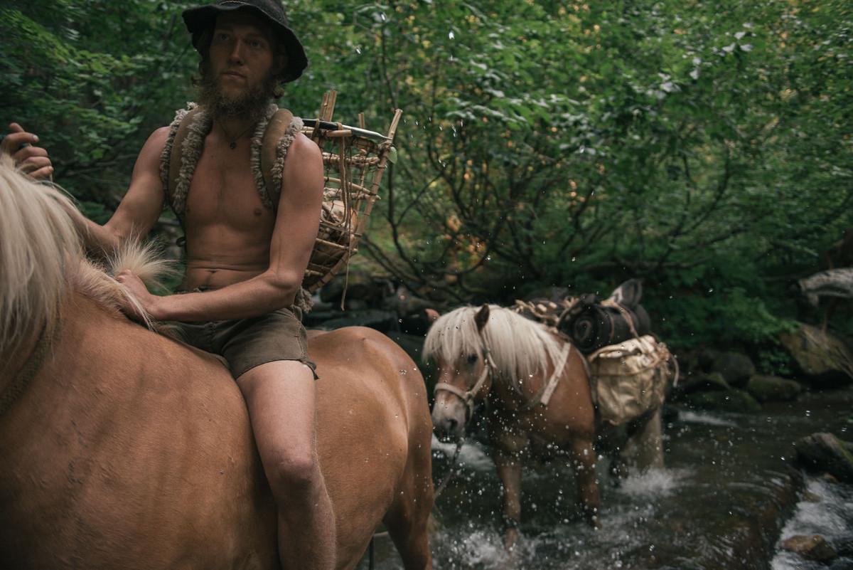 Назад в палеолит: охотники-собиратели 21-го века в фотопроекте «Живущие дикими» 5
