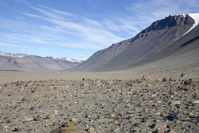 В некоторых местах Антарктиды уже 2 миллиона лет не идет ни дождь, ни снег Антарктика, антарктида, интересно, ледяной континент, познавательно, секреты Антарктики, удивительно, факты