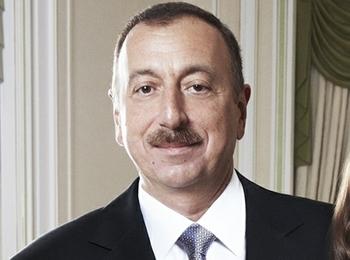 Лидер Азербайджана поздравил Путина с победой на выборах