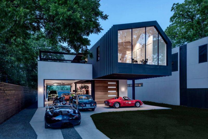 Эффектный дом для коллекционера автомобилей в Соединенных Штатах
