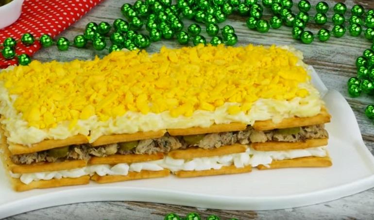 Праздничный закусочный торт: очень красиво, вкусно и несложно – порадуйте гостей