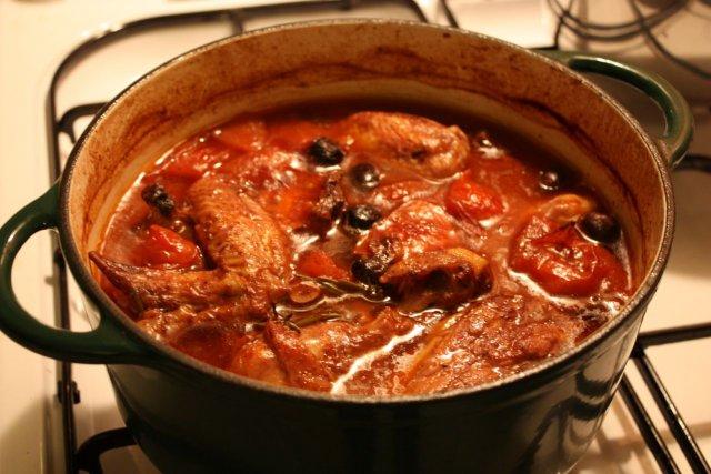 Необычная курица: 6 удивительных блюд со всего мира вымойте, перец, нарежьте, можно, курицы, обсушите, куриного, куски, специи, куриный, кипения, блюда, измельчите, алычи, очистите, блюдо, добавьте, минутПодавайте, духовке, тщательно