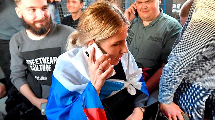 """Крах проекта """"Навальный"""": Вслед за остальными за границу уехала Любовь Соболь"""