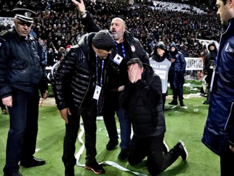 Осатаневшие футбольные хулиганы сорвали матч чемпионата Греции
