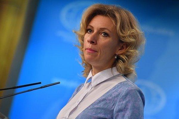 """Захарова назвала статью Джонсона """"истошным хамстом"""""""