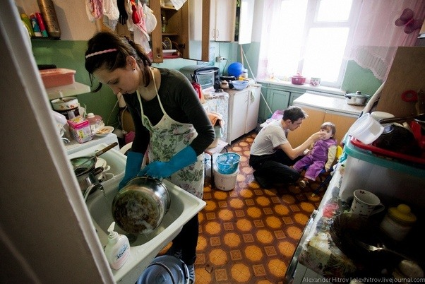 Как девушка решила проучить соседку по коммунальной квартире брать вещи без разрешений