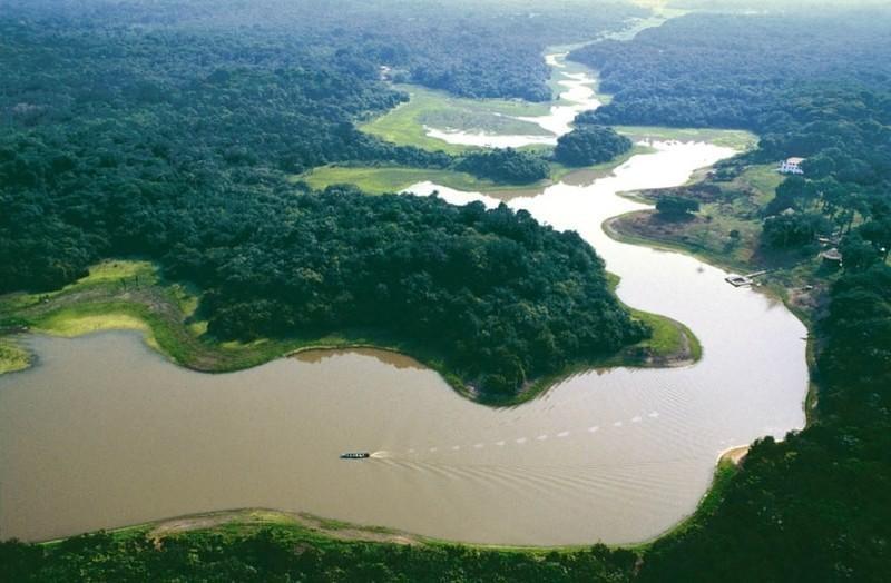 Самые опасные реки и озер мира
