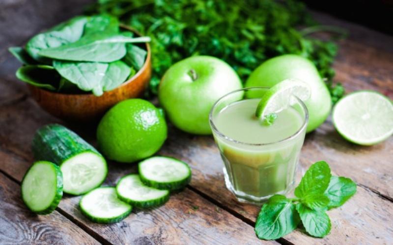 Достали головная боль и мигрени — просто добавьте в рацион зеленый сок