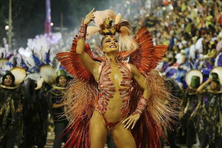 Королева барабанов школы - Джулиана Паес бразилия, в мире, карнавал, события, фото, фотоотчет, фоторепортаж