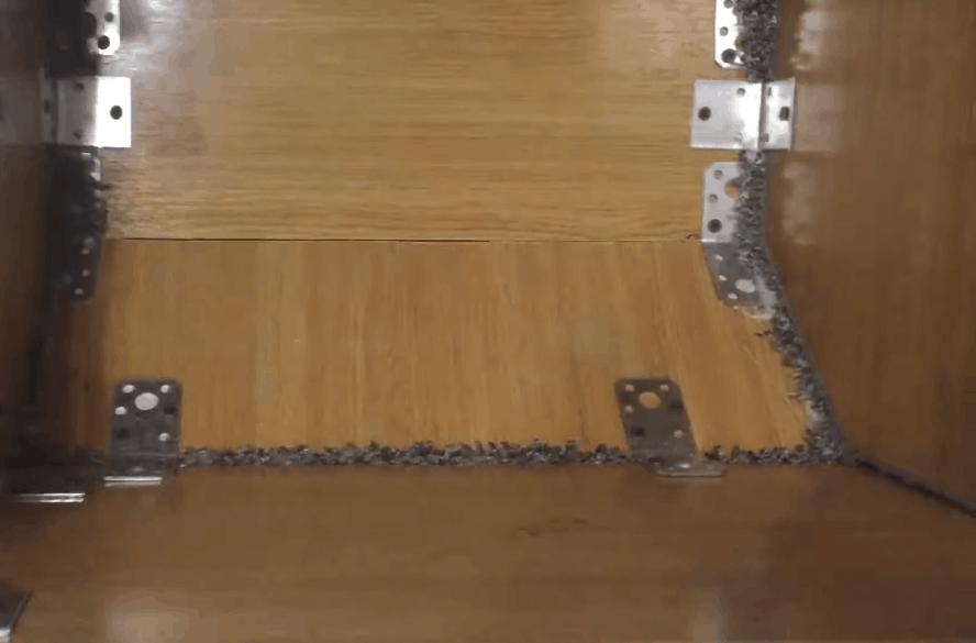 Домик для кошки с когтеточкой: компактный уголок, обеспечивающий уют