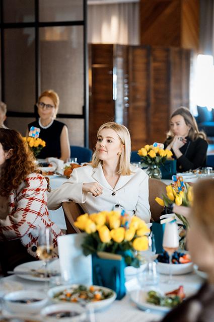 Елена Летучая, Юлианна Караулова, Зара и другие звезды на бранче в Москве Светская жизнь