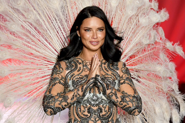 Адриана Лима покидает Victoria's Secret: