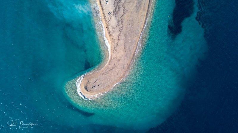 Так выглядит после шторма хорватский пляж Златни-Рат в мире, климат, остров, природа, хорватия, шторм