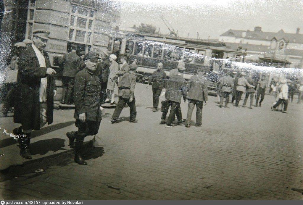 Сталин ходил пешком на работу в Кремль  до 1931