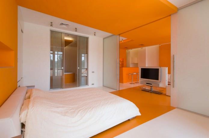 бело-оранжевая спальня