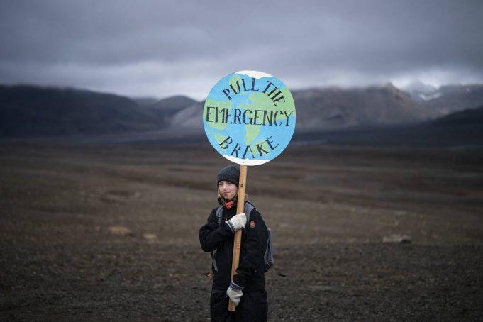 В Исландии прошли похороны исчезнувшего ледника