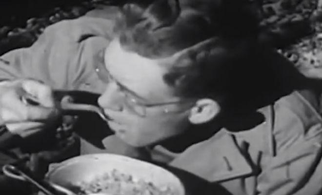 Смотрим паек солдата из 1945 года. Что ели в окопах