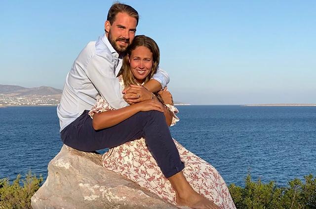 Принц Греции и Дании Филипп женился на дочери миллиардера Нине Флор Монархии