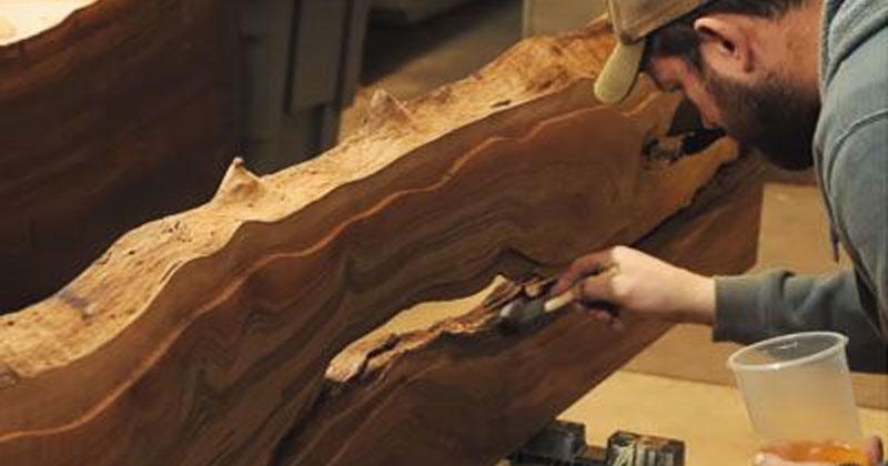 Он взял кусок дерева и решил сделать стол. Результат поразил всех!