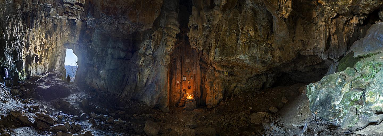 Самый древний пещерный храм Крыма.