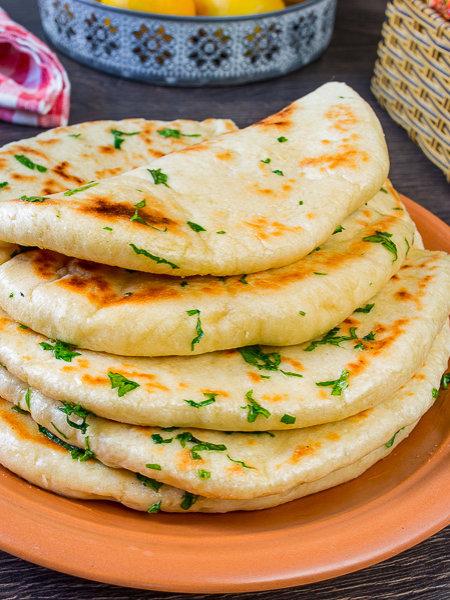 Базлама – турецкие дрожжевые лепешки на сковороде готовим дома,кулинария