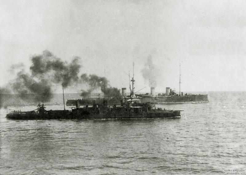 «Жемчуг» и «Изумруд» в Цусиме. Действия крейсеров в дневном бою 14 мая