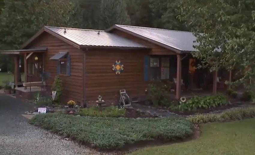 Женщина отказалась от ребенка, а через 44 года оказалось, что он ее сосед