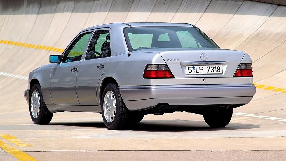 Mercedes-Benz E 220 (W124) '07.1993–06.1996