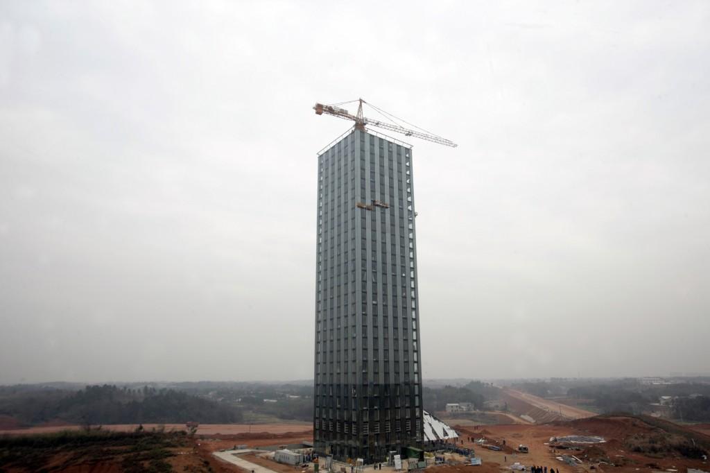 Китайцы  строят небоскрёб за 360 часов