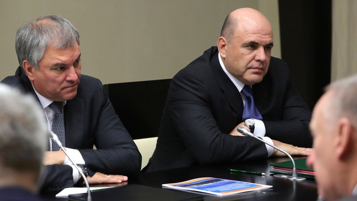"""""""Тандем"""" - всё? Путин рассказал об уходе Медведева и """"дубине"""" Мишустина. Отставка правительства в цитатах россия"""